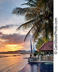 ondergaande zon , luxe, villa