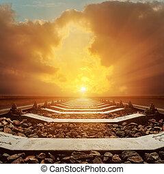 ondergaande zon , op, dramatische hemel, spoorweg