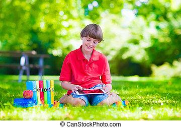 onderricht jongen, met, tablet, computer
