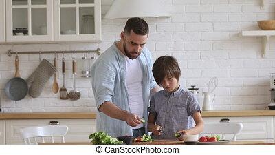onderricht jongen, weinig; niet zo(veel), jonge, fris, het ...