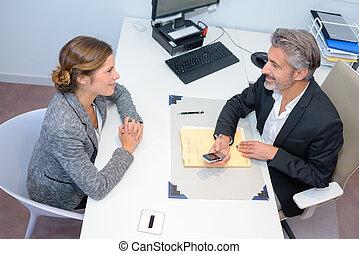 ondertekening, vrouw zaak, na, jonge, contracteren