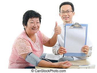 onderzoek, chinees, arts, medisch, op, aziatisch wijfje, gedurende, senior, oosten, ethnicity, duimen
