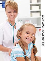 onderzoek, klein meisje, arts