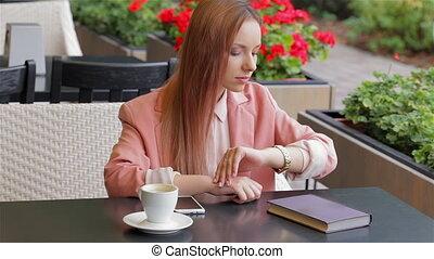 onduler, girl, café, main