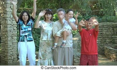 onduler, heureux, 2, famille, mains