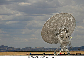 One of the antennae listening to the universe at the Very Large Array in New Mexico.