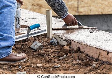 ongeveer, muurkap, vormen, arbeider, trowel, cement, hout, nat, gebruik, bouwsector, nieuw, pool