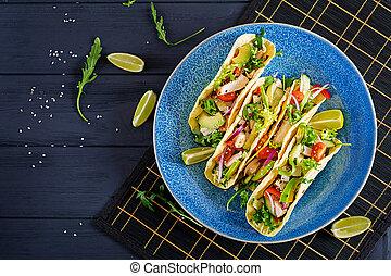 onion., mexicaanse , avocado, gezonde , vlees, tacos, taco., komkommer, rood, omslag, tomaat, chicken, voedsel., bovenzijde, tortilla., aanzicht