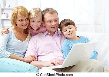 online, család
