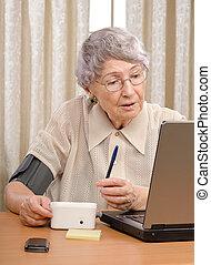 Online doctor checking pressure