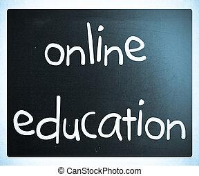"""""""online, education"""", manuscrito, con, blanco, tiza, en, un, pizarra"""