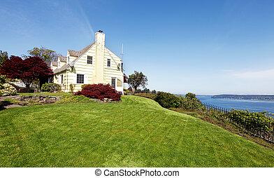 ont, jaune, eau, maisons, colline, maple., il, rouges, vue