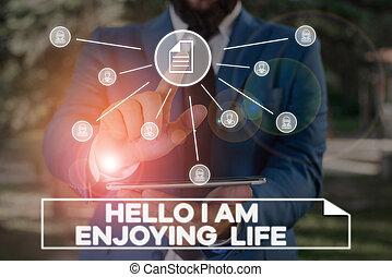 ontspannen, schrijvende , hallo, het genieten van, eenvoudig, spullen, vrolijke , kostuum, tekst, menselijk, concept, handschrift, genieten, het voorstellen, mannelijke , device., gebruik, life., smart, levensstijl, betekenis, werken, presentatie, slijtage, formeel