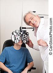 oogarts, doen, in het oog krijgen, testen