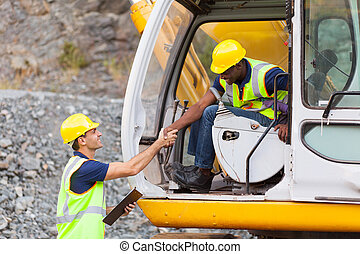 opérateur, bulldozer, construction, directeur, poignée main