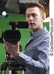 opérateur, caméra télévision, studio, mâle