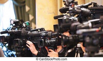 opérateurs, quelques-uns, haut, enregistrement, fin, videocameras, présentation