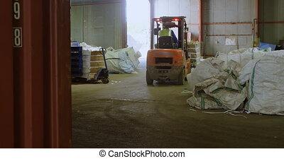 opération, élévateur, mâle, 4k, ouvrier, entrepôt