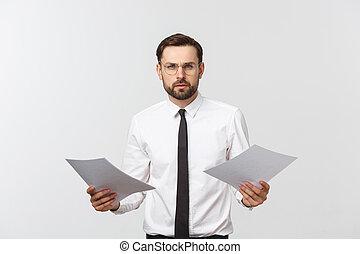 op, mooi, serieuze , witte , bedrijfsslijtage, vrijstaand, klembord, vastknopen, elegant, achtergrond., zakenman, man, kostuum, jonge, schrijvende