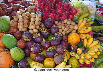 Open air fruit market
