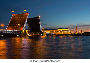 Open Dvortsovy Bridge and view of the Spit of Vasilyevsky ...