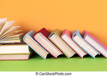 opengeslagen boek, hardback, boekjes , op, helder, kleurrijke, achtergrond.