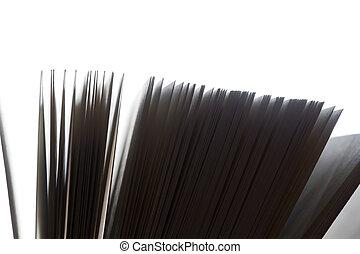 opengeslagen boek, pagina's, fluttering., zwart wit