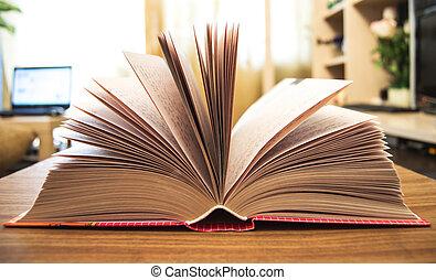 opengeslagen boek
