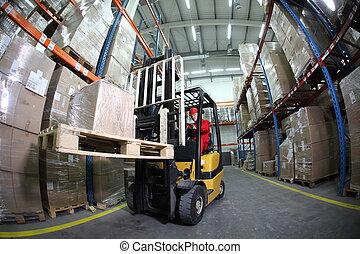 operatore elevatore, lavoro, in, wareho