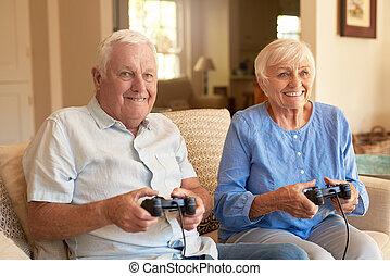 ophids, senior kobl, boldspil spille video, sammen, hjem hos
