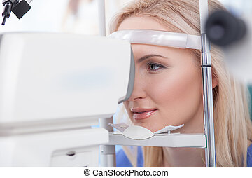 Ophtalmology diopters calibration in oculist lab