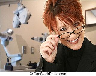 opthomogist, vagy, szemvizsgáló, alatt, vizsga hely