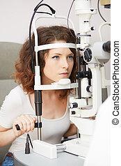 optiker, pruefen, patient, sichten