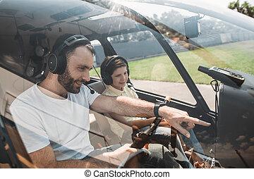 optimista, hombre, narración, con el niño, en, helicóptero
