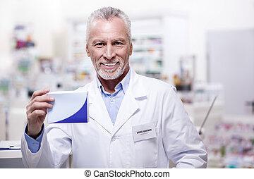 optimiste, mâle, pharmacien, administrer, médicament