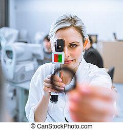 optometria, pojęcie, praca, -, młody, ładny, optometra