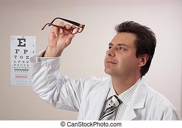 optometrist, occhio, ispezionando, occhiali