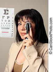 Optometrist vision checkup
