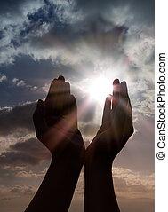 oração, com, mãos, para, sol