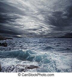 orage, océan