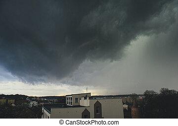 orage, sur, ville, nuages sombres