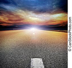 orageux, asphalte, sur, ciel, nuageux, sombre, champ, route