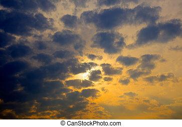 orageux, coucher soleil