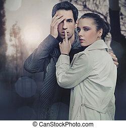 orageux, pose couples, fond, sur, beau