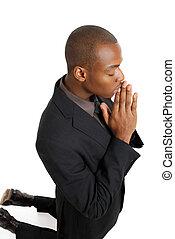 orando, joelhos, seu, homem negócio