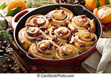 Orange and cranberry cinnamon rolls