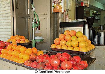 Orange and Pomegranate drink stand