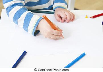 orange, crayon, enfantqui commence à marcher, dessine