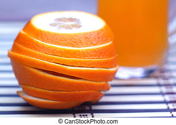 Orange juice with sliced orange