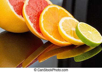 orange slices - slices of an orange. symbolic photo for...